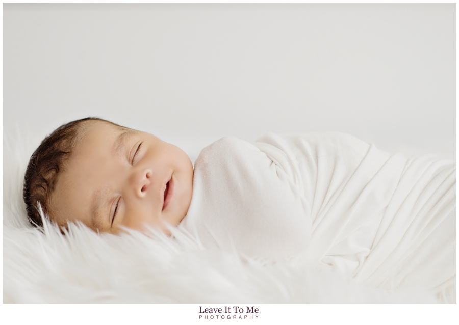 Delaware Family Photographer_Lifestyle Newborn Portraits 6